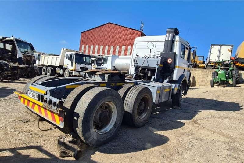 Mercedes Benz Double axle Mercedes Benz 2535 6x4 truck tractor Truck tractors