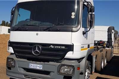 Mercedes Benz Double axle MERCEDES BENZ 2648 6X4 V8 TRUCK TRACTOR Truck tractors