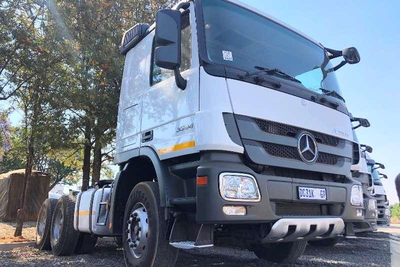 Mercedes Benz Double axle Mercedes Benz 3344 T/T Truck tractors