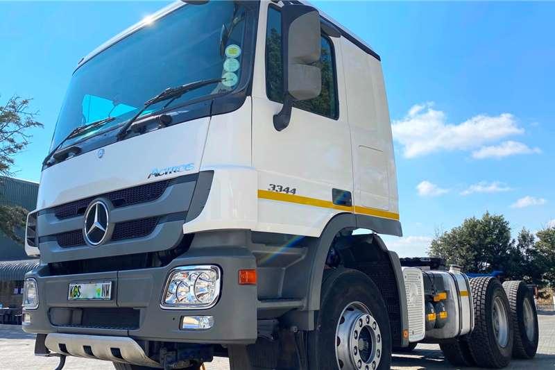 Mercedes Benz Truck Tractors Double Axle MERCEDES BENZ 3344 TT 6X4 2015