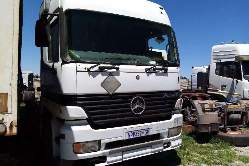 Mercedes Benz Truck tractors Double axle Mercedes Benz Actros 3348 2002