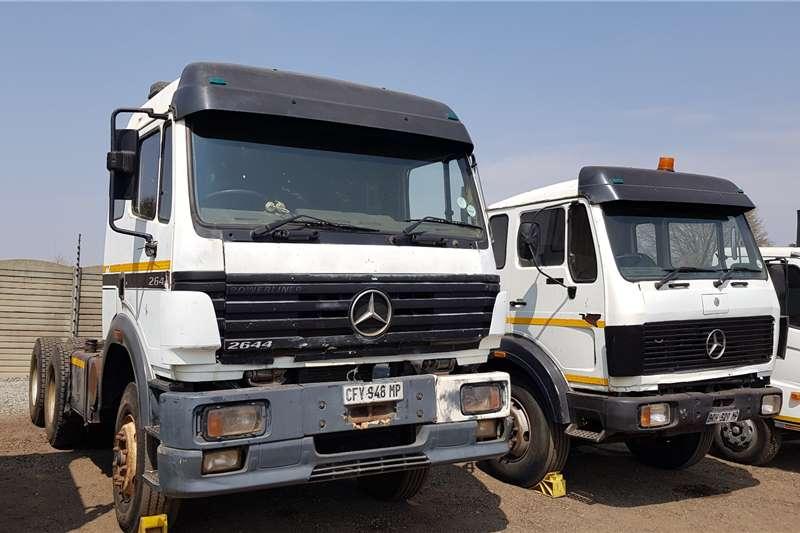 Mercedes Benz Double axle Powerliner 2644 Hydraulics Truck tractors