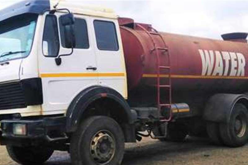 Mercedes Benz WATER BOWSER MERCEDES BENZ Truck tractors