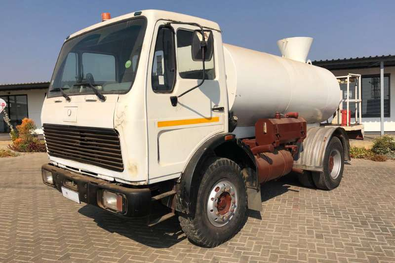 Mercedes Benz Truck Water tanker 1413 fitted with 6000Lts water tank PTO and Pump