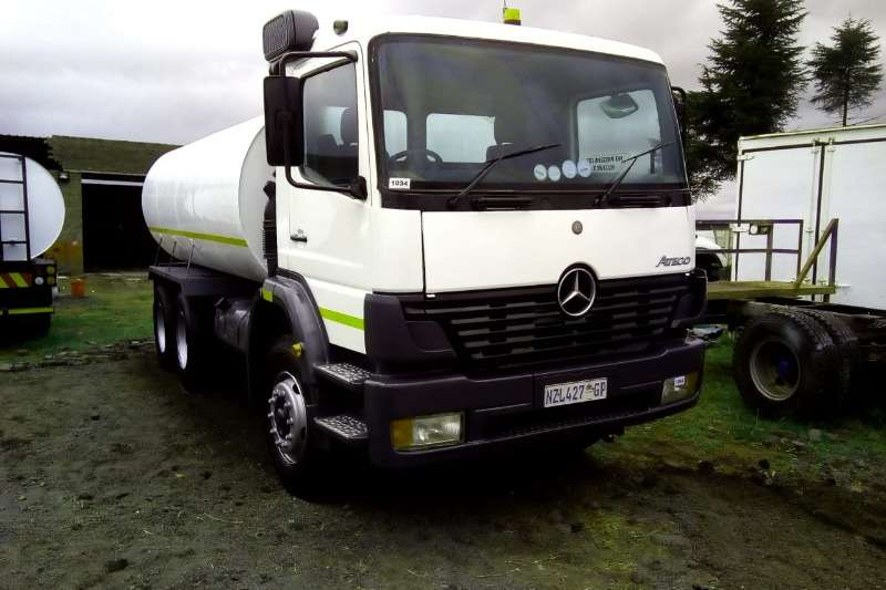Mercedes Benz Truck Water Tanker 26-28 with new 16000Lt water tank with hydraulic P