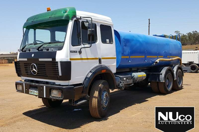 Mercedes Benz Truck Water tanker MERCEDES BENZ 2635 WATER TANKER