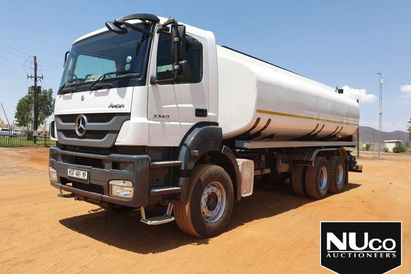 Mercedes Benz Truck Water Tanker MERCEDES BENZ AXOR 3340 WATER TANKER 2015