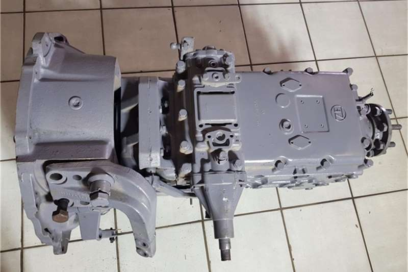Mercedes Benz Truck ZF Gearbox for Mercedes Benz 1928 Truck Tractor 2002