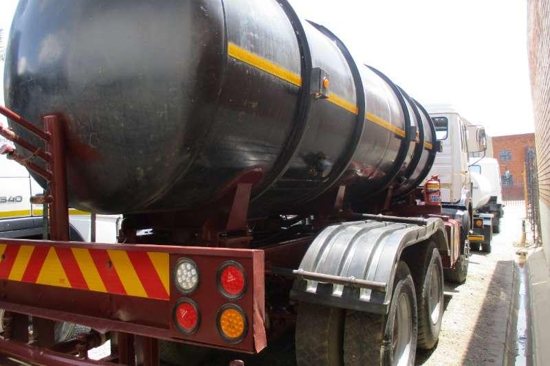 Mercedes Benz 26 28 Mercedes Benz 16000Ltr Tanker (Water) Water bowser