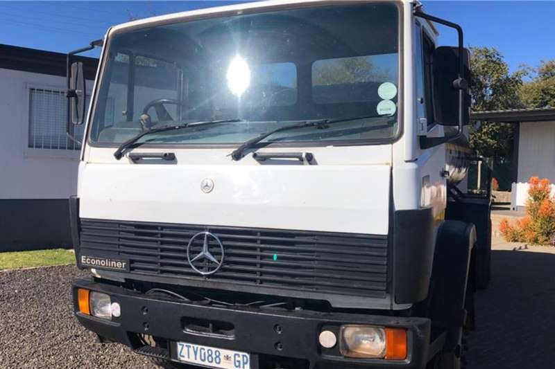 Mercedes Benz Water bowser trucks 1214 Auto Box 7000L 1996