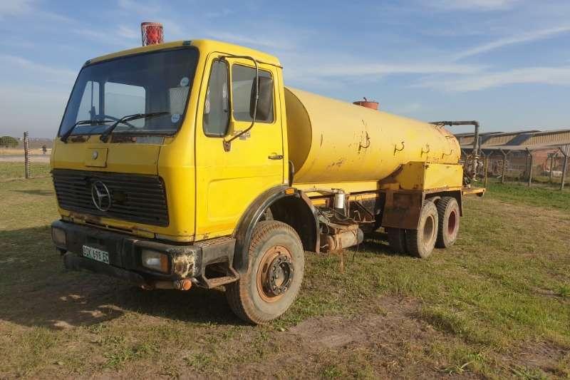 Mercedes Benz Water bowser trucks 2219 mercedes benz 1985