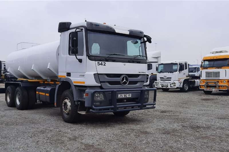 Mercedes Benz Water bowser trucks Actros 3332 6x4 Rigid   NEW 16,000L Water Tank 2011