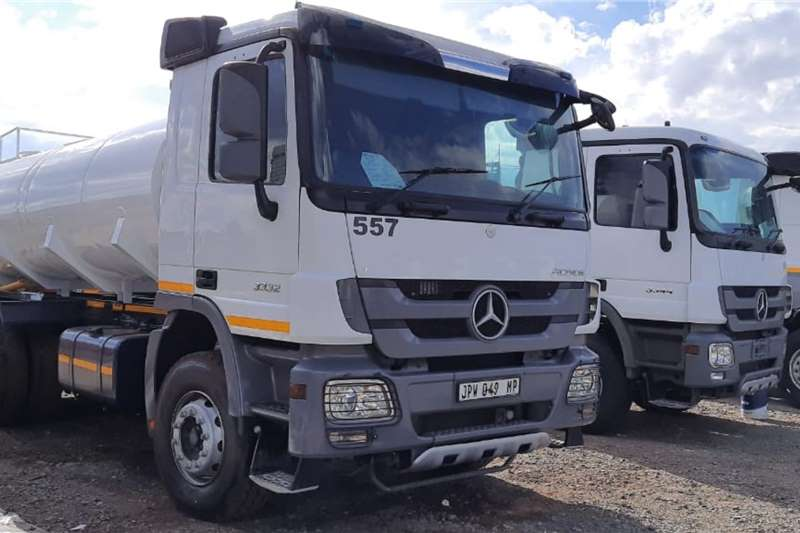 Mercedes Benz Water bowser trucks Actros 3332 6x4 Rigid NEW 16,000L Water Tanker 2011