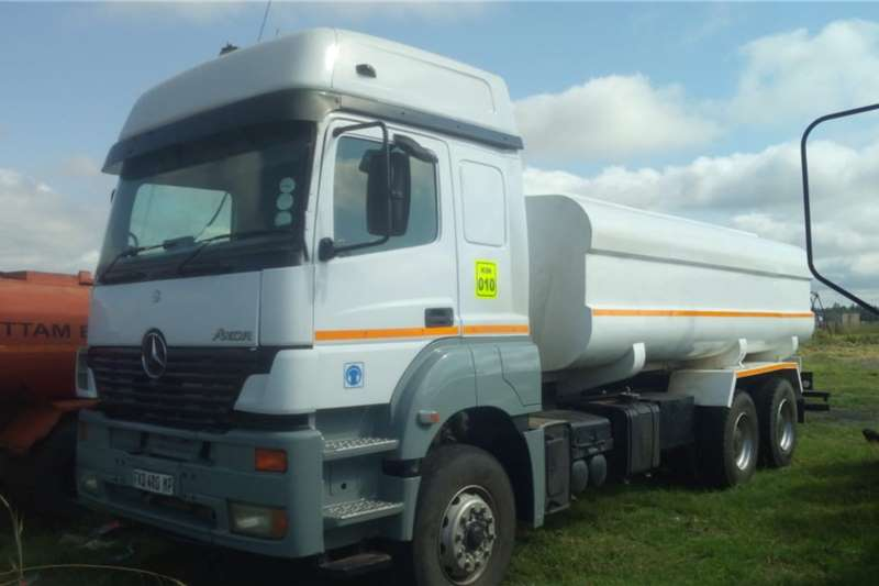 Mercedes Benz Water Bowser Trucks Merc Axor 18000Lt water tanker, Hydraulics,air con 2003