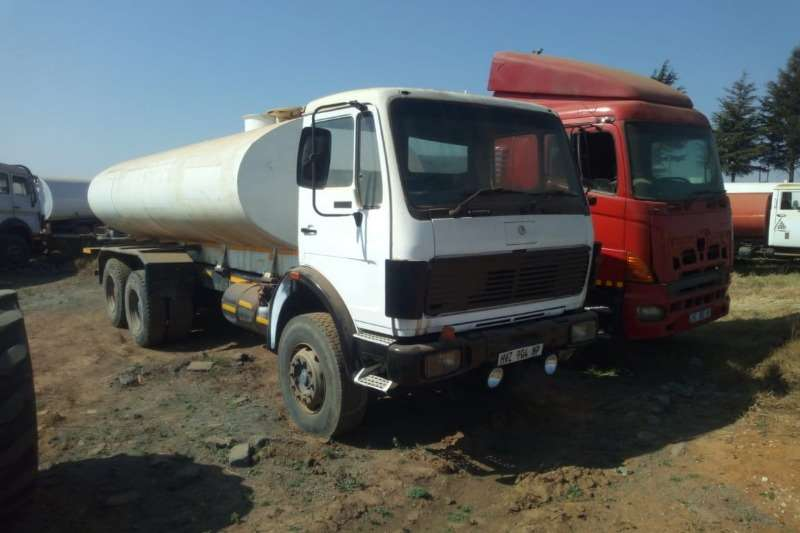 Mercedes Benz Water bowser trucks Mercedes 26 33 with 16000Lt water tank with hydrau 1989