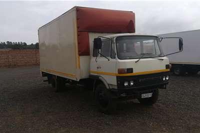 Mitsubishi FK SERIES Box trucks