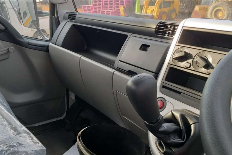 Mitsubishi Mitsubishi Fuso FE6 109 TD Chassis Cab Chassis cab trucks