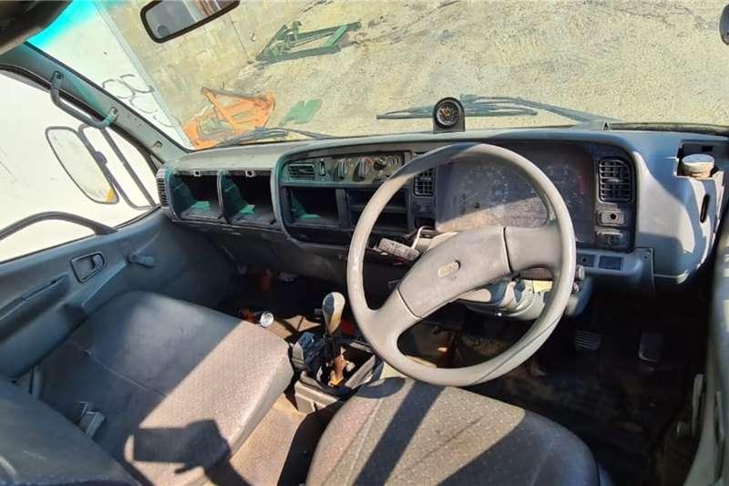 Mitsubishi Mitsubishi Canter HD30 ADE 364 Turbo Gear lever fa Dropside trucks