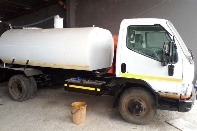 Mitsubishi Canter with new 3500L Vacuum trailer Honey sucker trucks