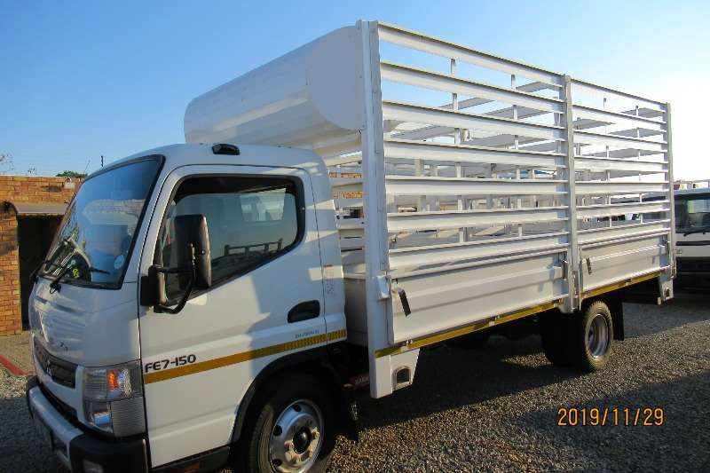 Mitsubishi Truck Cattle body Fuso  7 150 cattle rail Automatic 2014