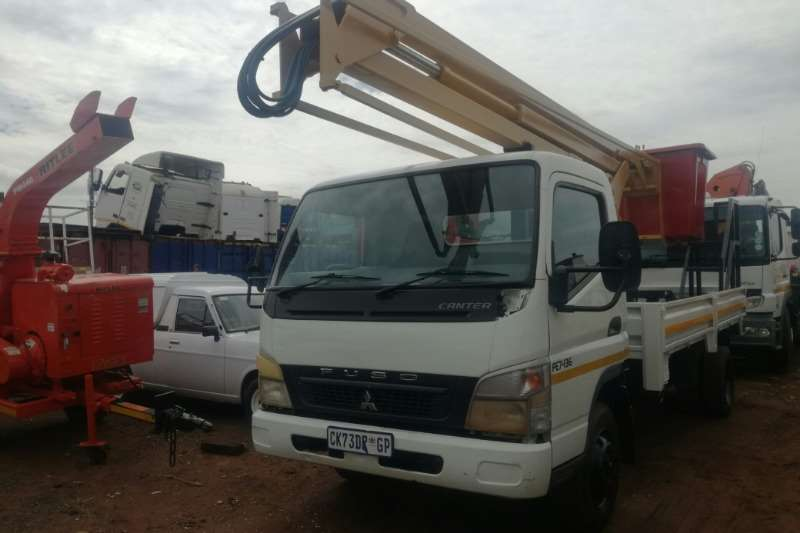 Mitsubishi Truck Cherry picker Mitsubishi Fuso FE7 136 with 12MT Cherry Picker 2013