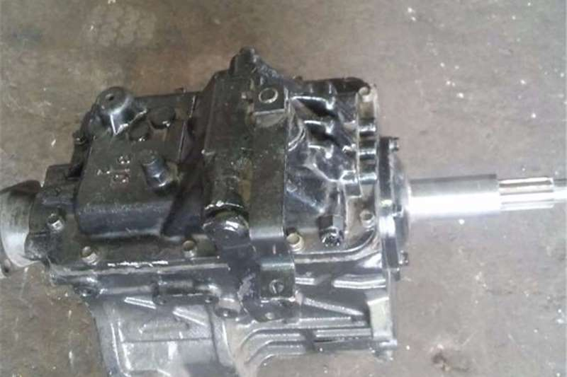 Mitsubishi Gearboxes Truck spares and parts
