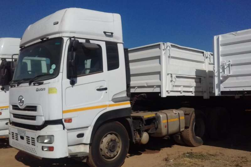 ND Truck Dropside UD 460 HORSE AND DROP SIDE TRAILER COMBINATION