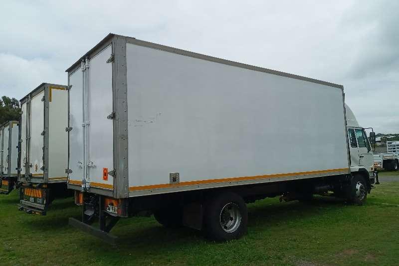 Nissan 2013 Nissan UD 100   Volume Bin Box trucks