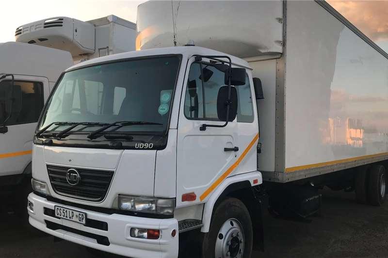 Nissan 2013 Nissan UD90 V/van Box trucks