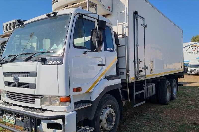 Nissan Nissan UD290 double diff Box trucks