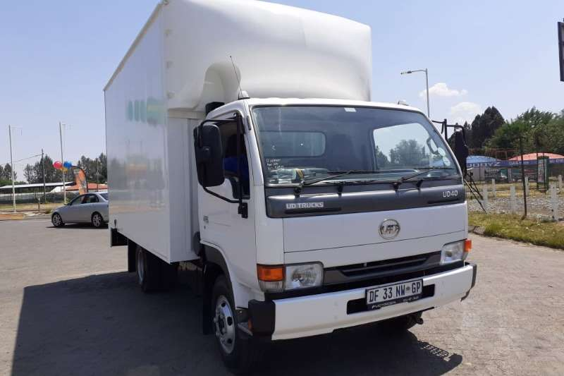 Nissan Box trucks NISSAN UD40 A BOX BODY 2014