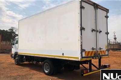 Nissan NISSAN UD40L VOLUME BODY TRUCK Box trucks