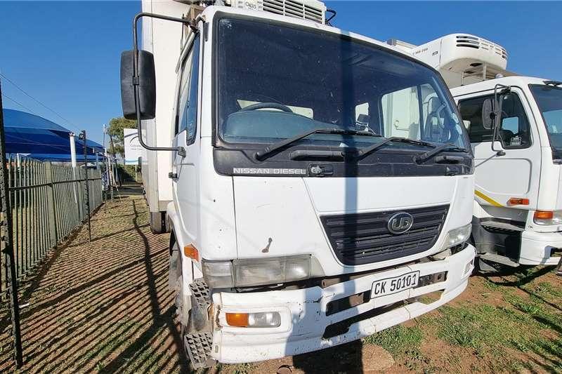 Nissan Nissan UD90 fridge Box trucks