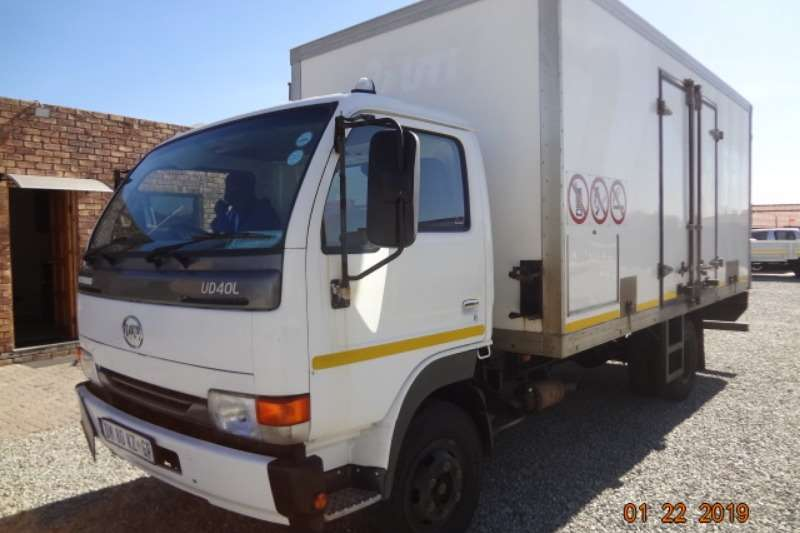 Nissan Box trucks UD40 with insulated body 2015