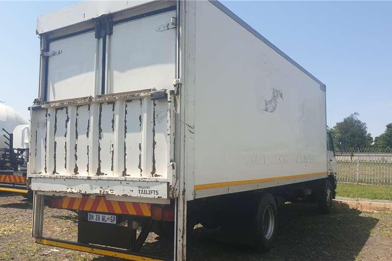 Nissan UD80D Box trucks