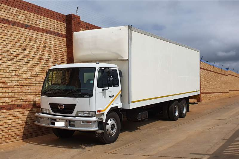 Nissan Box trucks UD90,6x2,+/ 14 TON WITH 10M DRY FREIGHT BODY 2011