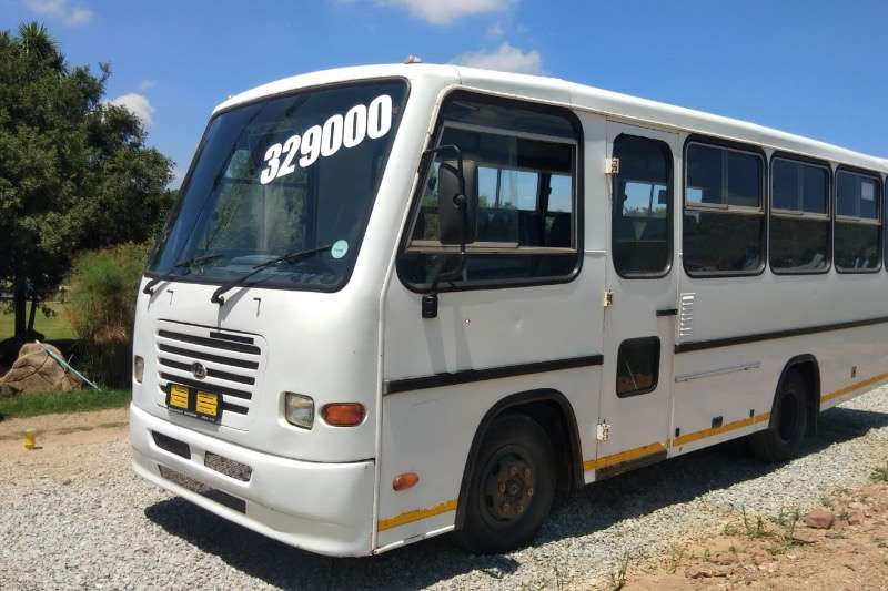 Nissan Buses 26 seater UD 25 SEATER BUS R329000 2009