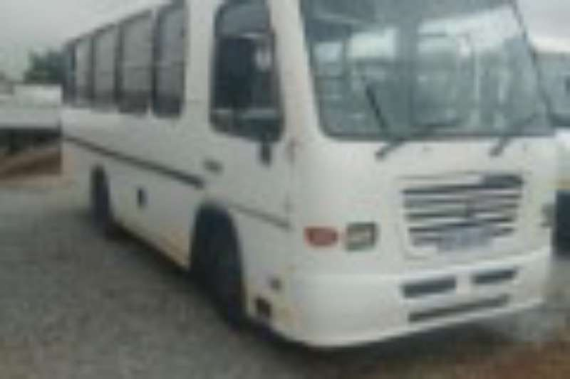 Nissan Buses 26 Seater UD BUS R299000 2009