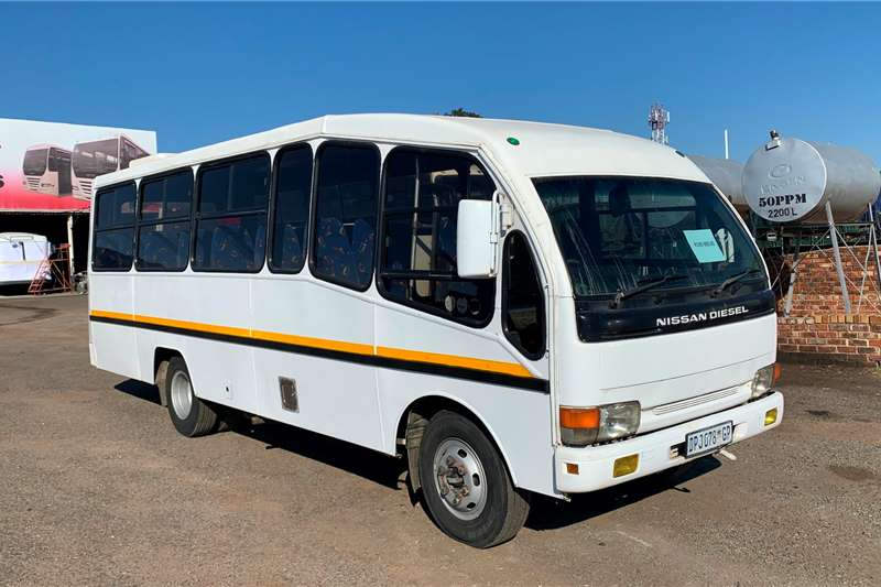 Nissan Buses 28 seater NISSAN DIESEL CABSTAR 40L (29 SEATER) 1996