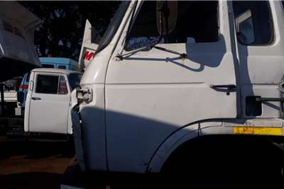 Nissan NISSAN DIESEL CHASSIS CAB + ENGINE & PAPER\ Chassis cab trucks