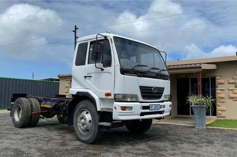 Nissan Chassis cab trucks Nissan UD 100, Short Wheel Base, Chassis Cab 2009