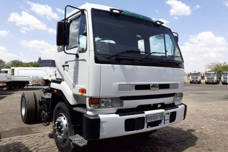 Nissan Chassis cab trucks NISSAN UD 350 2003