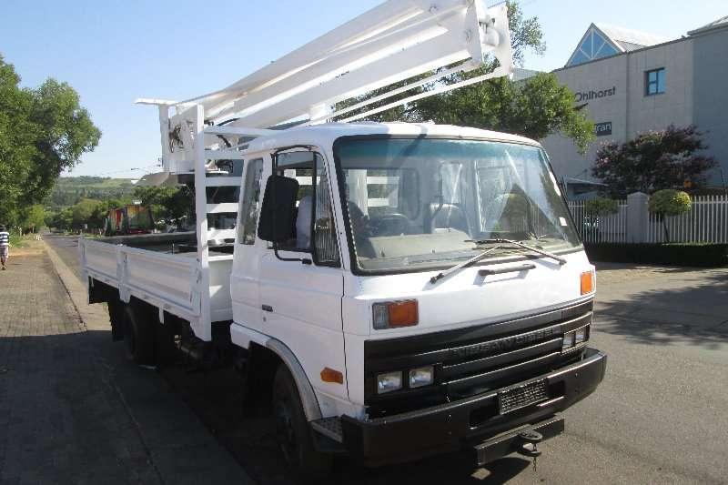 Nissan Cherry picker trucks CM10 1991