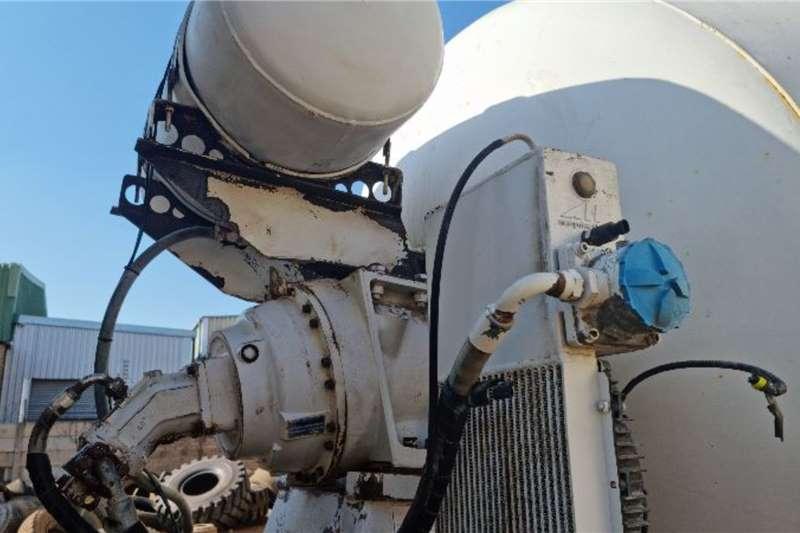 Nissan UD 6x4 Mixer Concrete mixer trucks