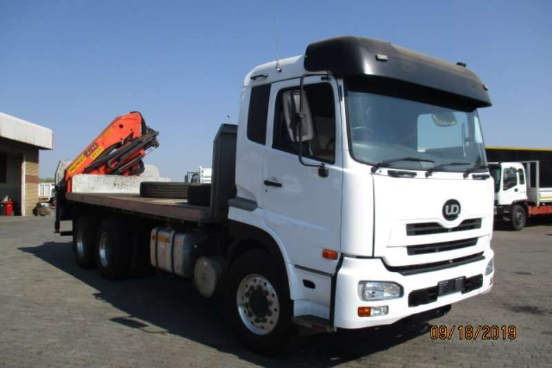Nissan Crane trucks NISSAN GW26 410 FLATDECK WITH PK15000 BRICK GRAB 2013