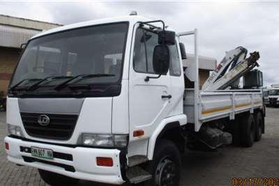 Nissan NISSAN UD90 6 X 2 WITH PESCI REAR MOUNT 22.5 Crane trucks