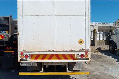Nissan Nissan CW290 Curtain side trucks