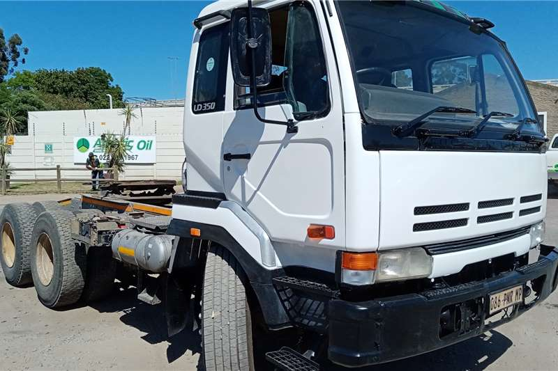 Nissan Nissan UD290 Curtain side trucks