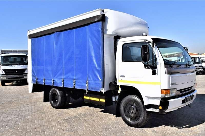 Nissan Curtain side trucks UD40L (4 Ton) 2011
