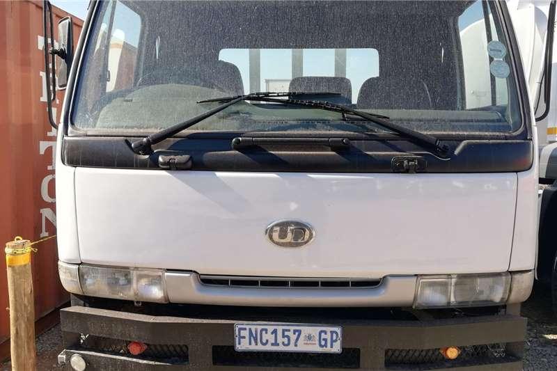 Nissan 1998 Nissan UD 70 Drop Side Dropside trucks
